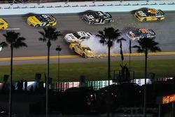 Kyle Busch, Joe Gibbs Racing Toyota spins