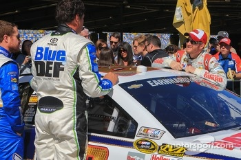 Michael Waltrip, Michael Waltrip Racing Toyota and Dale Earnhardt Jr., Hendrick Motorsports Chevrolet