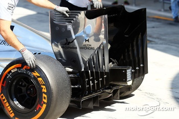 Jenson Button, McLaren MP4-29 rear wing detail
