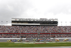 Start of the 56th Daytona 500