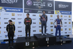 Podium: race winner Carlos Sainz Jr., second place Marlon Stockinger, third place Sergey Sirotkin