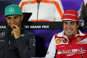 Lewis Hamilton, Mercedes AMG F1 Team and Fernando Alonso, Scuderia Ferrari at the press conference