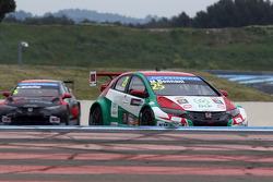 Mehdi Bennani, Honda Civic WTCC, Proteam Racing and Norbert Michelisz, Honda Civic WTCC, Zengo Motorsport