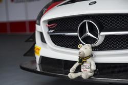 A friend on a Mercedes