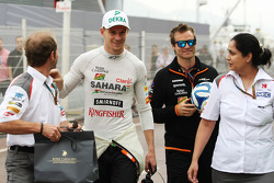Nico Hulkenberg, Sahara Force India F1 with Joseph Lieberer, Sauber Physio, and Monisha Kaltenborn, Sauber Team Principal