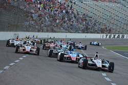 INDYCAR: Start: Will Power leads
