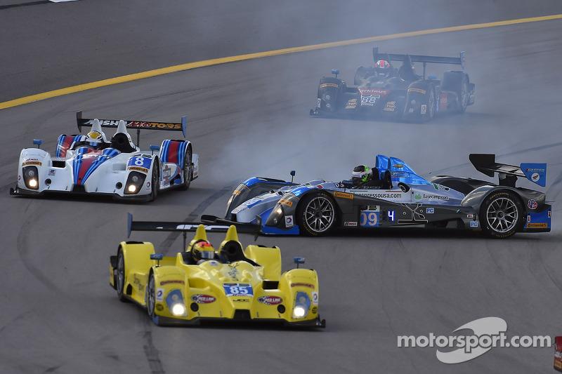 Trouble for #09 RSR Racing ORECA FLM09: Duncan Ende, Bruno Junqueira