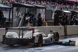 #41 Greaves Motorsport Zytek Z11SN - Nissan: Rudolf Nunemann, Alessandro Latif, James Winslow in the pits with damage