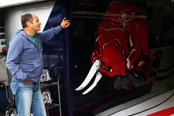 Gerhard Berger, outside the Scuderia Toro Rosso garage