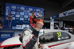 Race winner Jose Maria Lopez, Citroën C-Elysee WTCC, Citroën Total WTCC