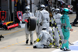 Mercedes GP mechanics during pitstop