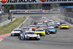 Start of the Race, Maxime Martin, BMW Team RMG BMW M4 DTM leads
