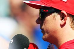 F1: Kimi Raikkonen, Ferrari with the media