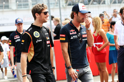 (L to R): Romain Grosjean, Lotus F1 Team and Jean-Eric Vergne, Scuderia Toro Rosso on the drivers parade