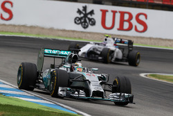 Lewis Hamilton, Mercedes AMG F1 W05 leads Valtteri Bottas, Williams FW36