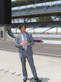 J. Douglass Boles, President, Indianapolis Motor Speedway introduces the new scoring pylon