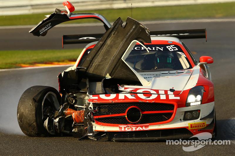 Trouble for #85 HTP Motorsport Mercedes SLS AMG GT3: Lucas Wolf, Sergei Afanasiev, Stef Dusseldorp