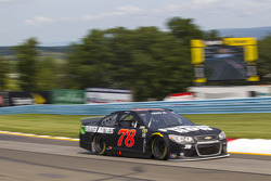 NASCAR-CUP: Martin Truex Jr., Furniture Row Racing Chevrolet
