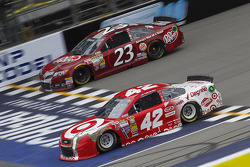 Alex Bowman, Toyota and Kyle Larson, Ganassi Racing Chevrolet