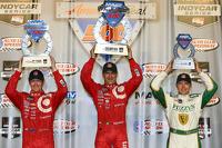 Scott Dixon, Chip Ganassi Racing Chevrolet and Tony Kanaan, Chip Ganassi Racing Chevrolet and Ed Carpenter, Ed Carpenter Racing Chevrolet