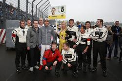 Christian Vietoris, Mercedes AMG DTM-Team HWA DTM Mercedes AMG C-Coupé with his mechanics