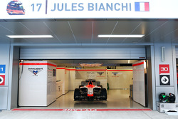 The Marussia F1 Team MR03 of Jules Bianchi, carries messages of support, with the hashtags #ForzaJules and #JB17 and will not be run this weekend