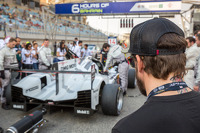 Fernando Alonso studying the pole-setting #14 Porsche Team Porsche 919 Hybrid