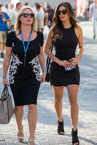Linda Hamilton and Nicole Scherzinger, Singer, step mother and girlfriend of Lewis Hamilton, Mercedes AMG F1