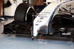 Valtteri Bottas, Williams FW36 running sensor equipment on the front wing