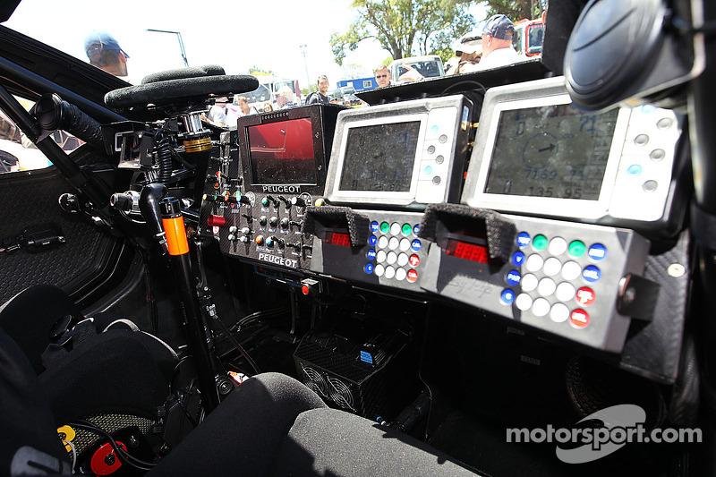 Peugeot 2008 DKR, Cockpit-Detail