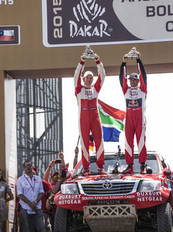 Car category podium: second place Giniel de Villiers, Dirk von Zitzewitz