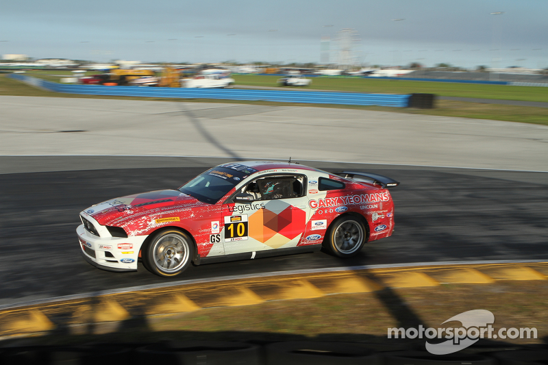 #10 Racers Edge Motorsports Ford Mustang Boss 302R: Ricardo Flores, Nick Galante