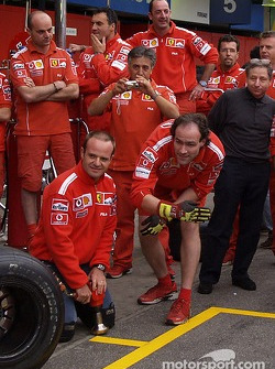Rubens Barrichello ready for a pitstop