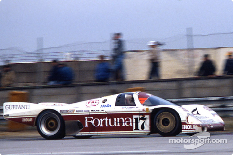 #17 Brun Motorsport Porsche 962 C: Oscar Larrauri, JoÃ«l Gouhier, Jésus Pareja