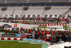 Fans on the track during pitwalk