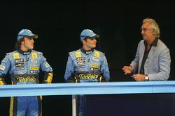 Fernando Alonso, Giancarlo Fisichella and Flavio Briatore