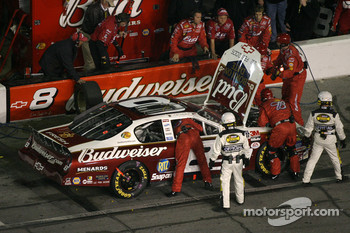 Pitstop at the end of the first segment: Dale Earnhardt Jr.