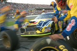 Another late pitstop for Kyle Busch