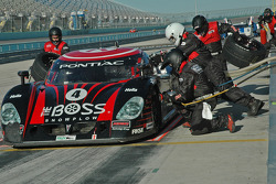 Pitstop for #4 Howard - Boss Motorsports Pontiac Crawford: Elliott Forbes-Robinson, Butch Leitzinger