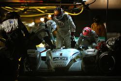 Pitstop for #1 ADT Champion Racing Audi R8: JJ Lehto, Marco Werner, Tom Kristensen