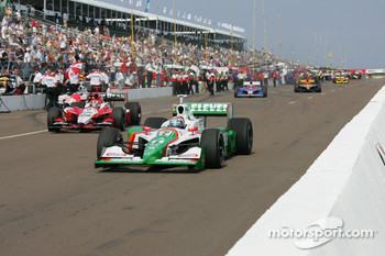 Tony Kanaan leads the field to track