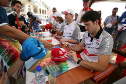 Autograph session for Jarno Trulli, Ralf Schumacher and Ricardo Zonta