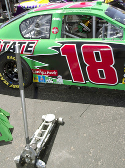 #18 team Interstate Batteries
