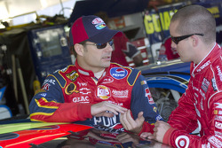 Jeff Gordon talks with Casey Mears before practice