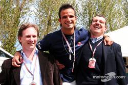 Christian Horner, Vitantonio Liuzzi and Guenther Steiner