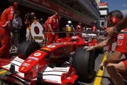 Pitstop practice for Rubens Barrichello