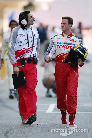 Ralf Schumacher with race engineer Francesco Nenci