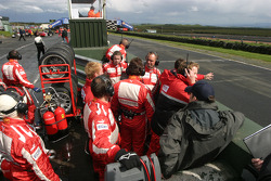 Scuderia Ecosse crew on the pitwall
