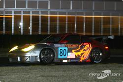 #80 Flying Lizard Motorsports Porsche 911 GT3 RSR: Johannes van Overbeek, Lonnie Pechnik, Seth Neiman