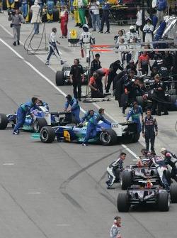 Michelin teams abandon the race